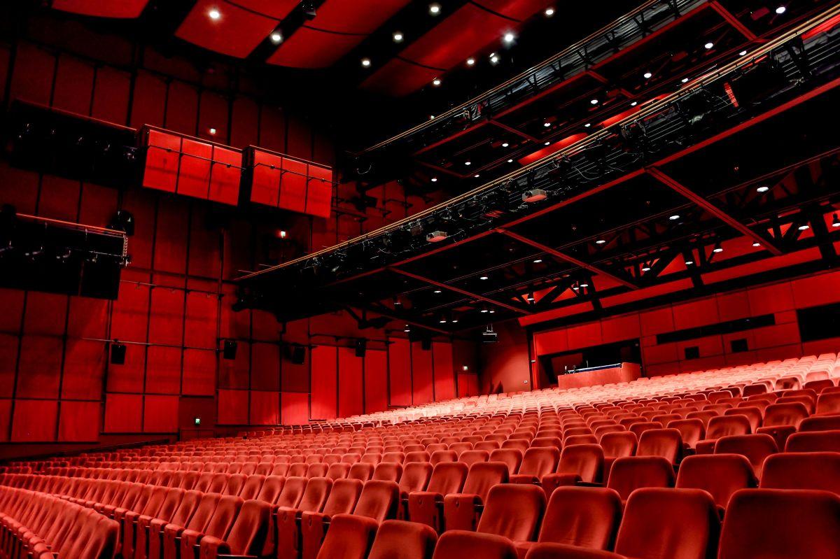 Stage Theater am Potsdamer Platz setzt auf Q-Sys Systemplattform von QSC Audio